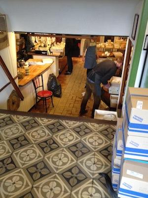 Bottega e negozio di produttore artigianale di formaggio.