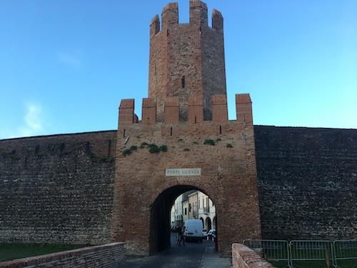 Porta Vicenza, uno degli accessi principali tra le mura a Montagnana.